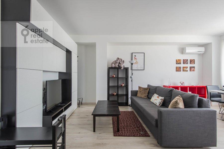 Living room of the 3-room apartment at Novyy Arbat ul. 16