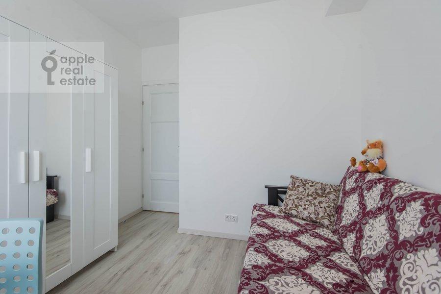 Children's room / Cabinet of the 3-room apartment at Novyy Arbat ul. 16