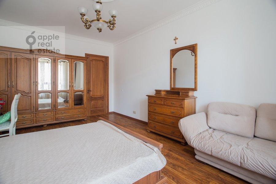Bedroom of the 4-room apartment at Minskaya ulitsa 1gk2