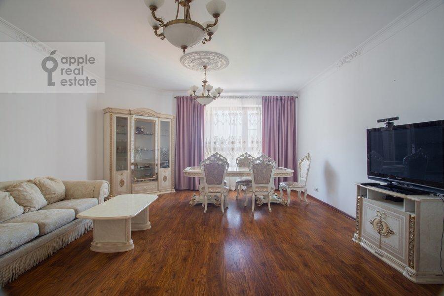 Living room of the 4-room apartment at Minskaya ulitsa 1gk2