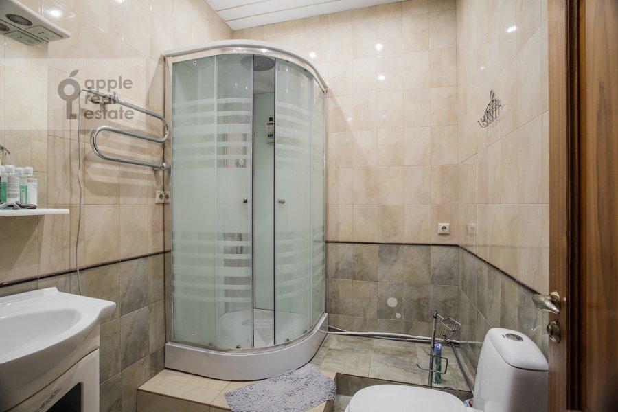 Bathroom of the 4-room apartment at Minskaya ulitsa 1gk2