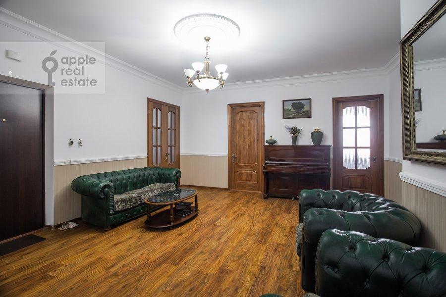 Corridor of the 4-room apartment at Minskaya ulitsa 1gk2