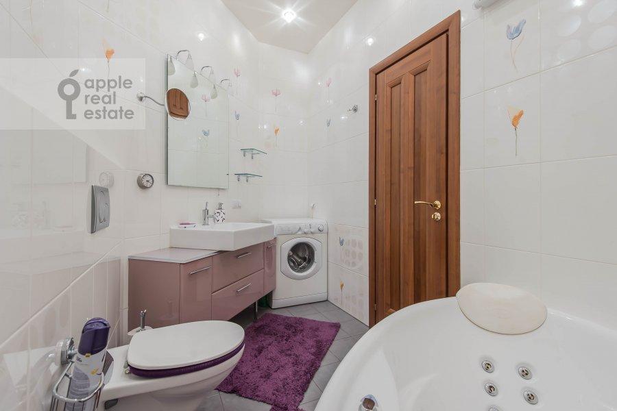 Bathroom of the 3-room apartment at Leningradskiy pr-t. 76k2