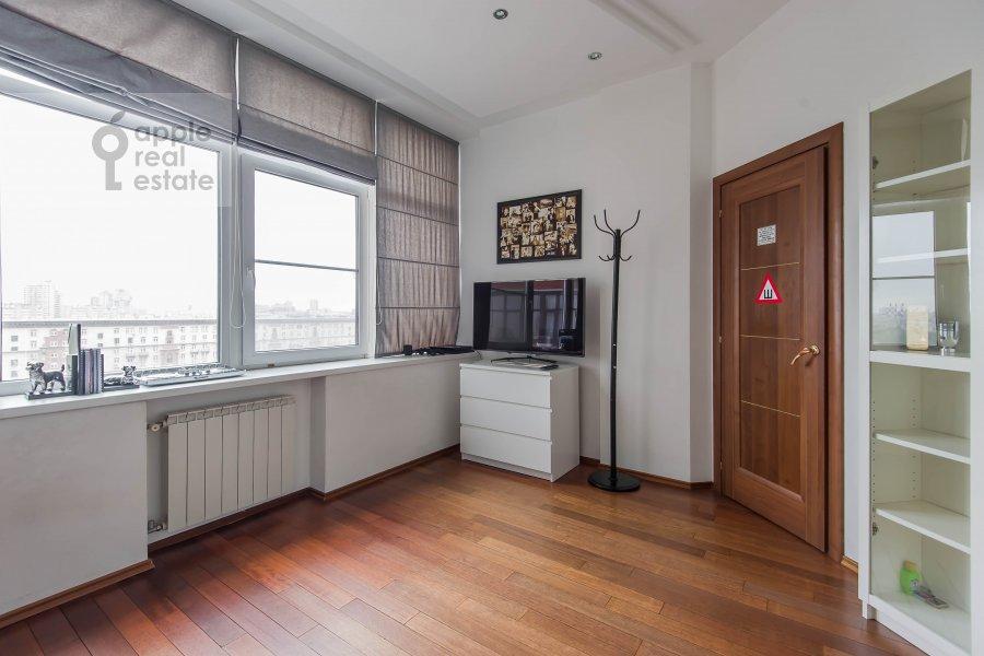 Children's room / Cabinet of the 3-room apartment at Leningradskiy pr-t. 76k2