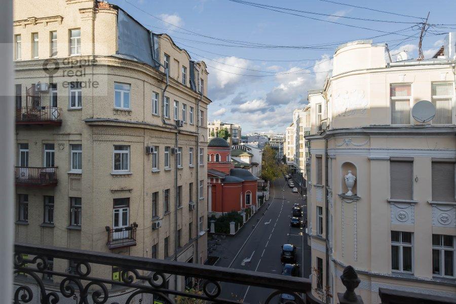 Вид из окна в 5-комнатной квартире по адресу Нащокинский переулок 7