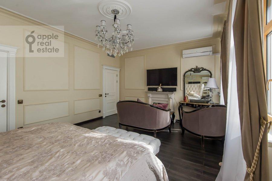 Спальня в 5-комнатной квартире по адресу Печатников пер. 3с1