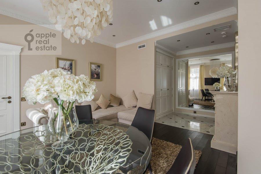 Гостиная в 5-комнатной квартире по адресу Печатников пер. 3с1