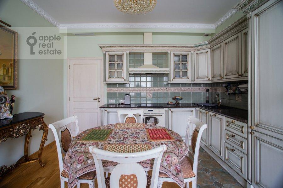 Kitchen of the 3-room apartment at Ruzheynyy per. 3