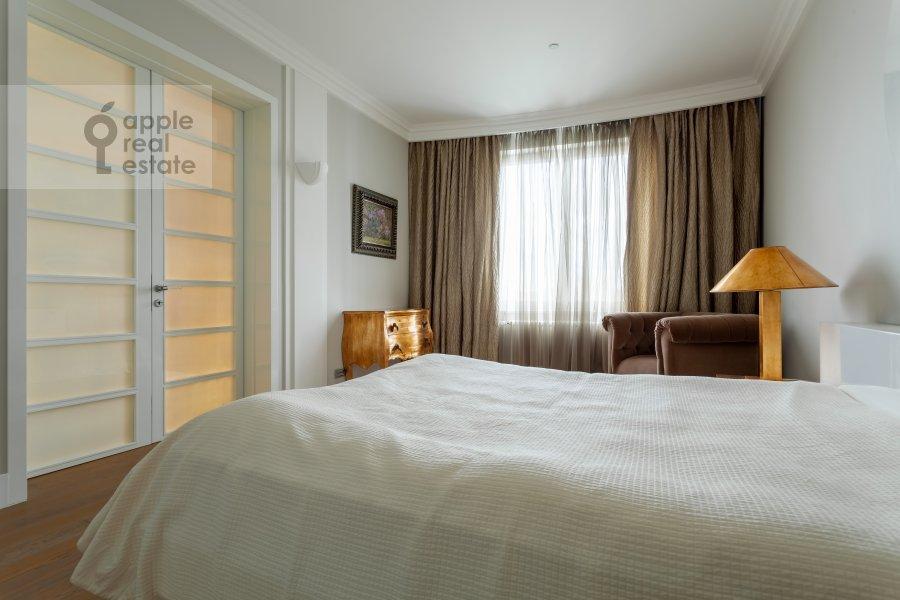 Спальня в 3-комнатной квартире по адресу Мосфильмовская 70к3