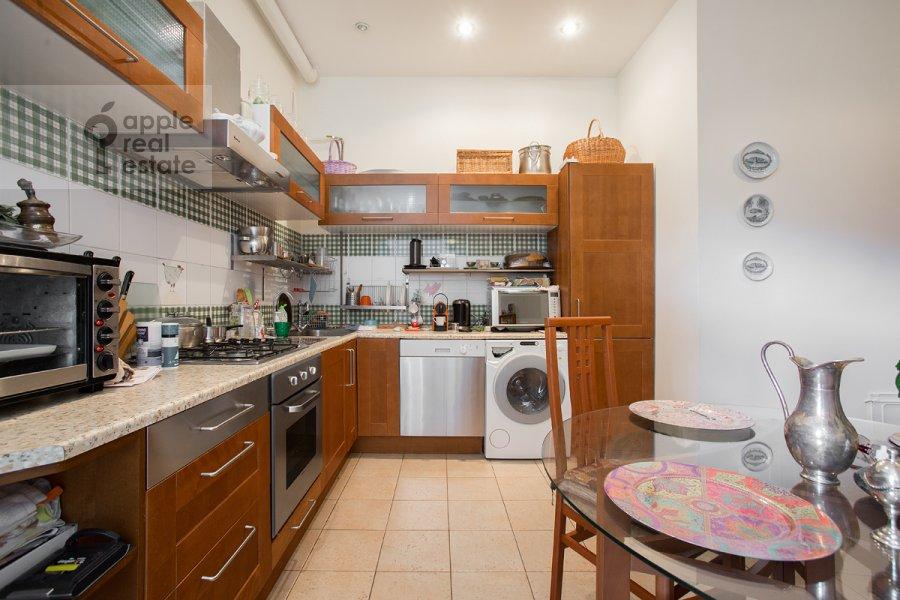 Kitchen of the 4-room apartment at ulitsa Znamenka 15