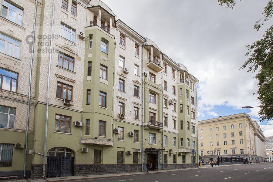 Photo of the house of the 4-room apartment at ulitsa Znamenka 15