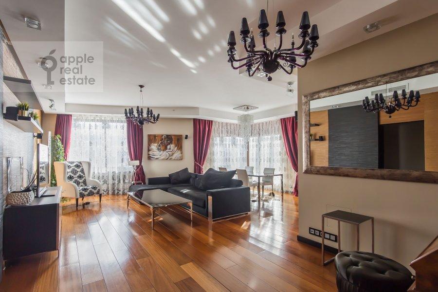 Гостиная в 3-комнатной квартире по адресу Мосфильмовская улица 70к2