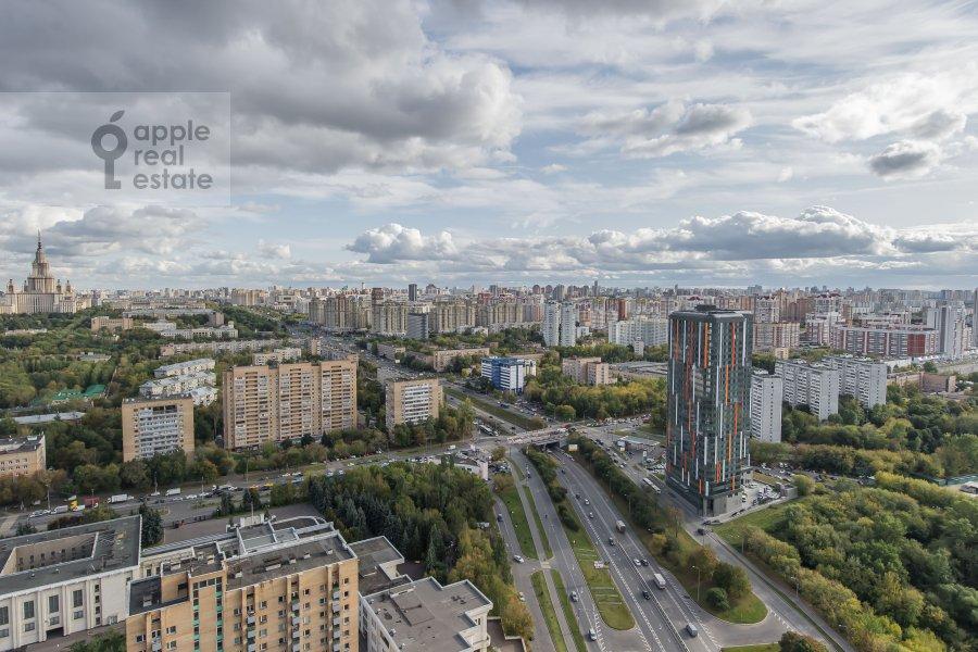 Вид из окна в 3-комнатной квартире по адресу Мосфильмовская улица 70к2