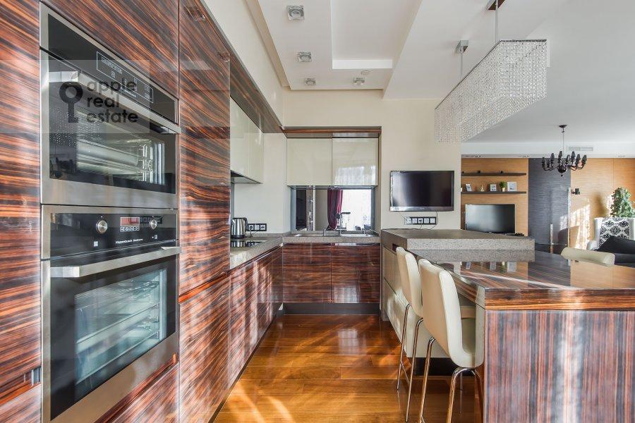 Кухня в 3-комнатной квартире по адресу Мосфильмовская улица 70к2
