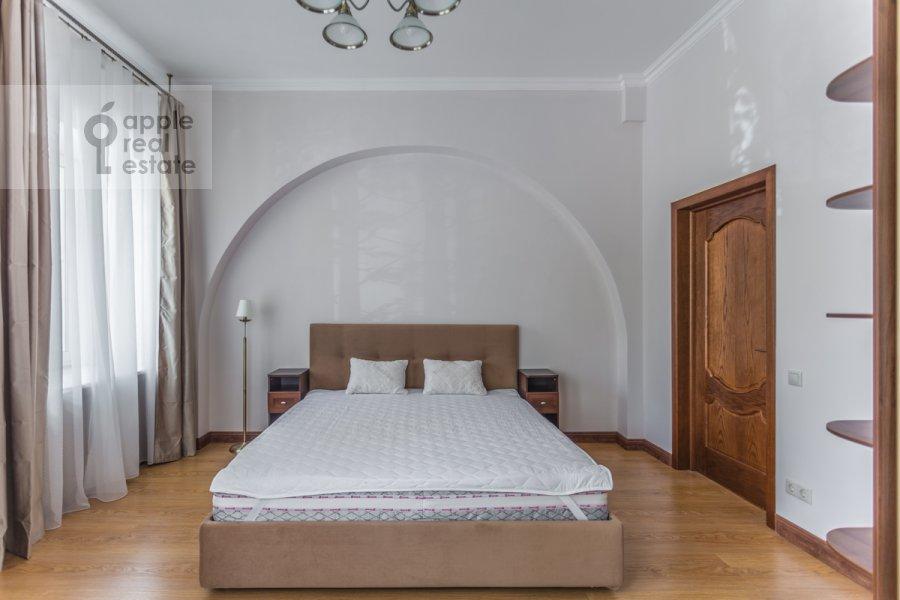 Спальня в 2-комнатной квартире по адресу Большой Овчинниковский переулок 26с2