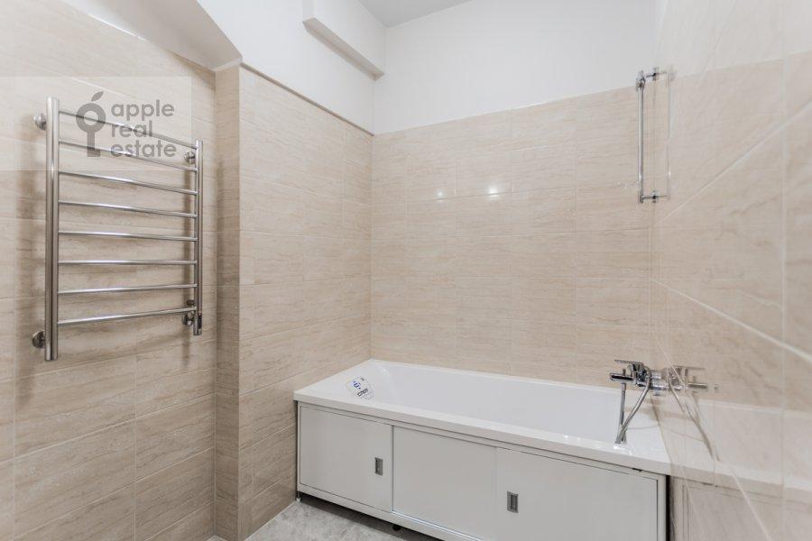 Санузел в 2-комнатной квартире по адресу Большой Овчинниковский переулок 26с2
