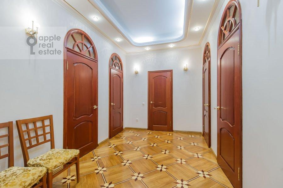 Corridor of the 5-room apartment at Slesarnyy pereulok 3