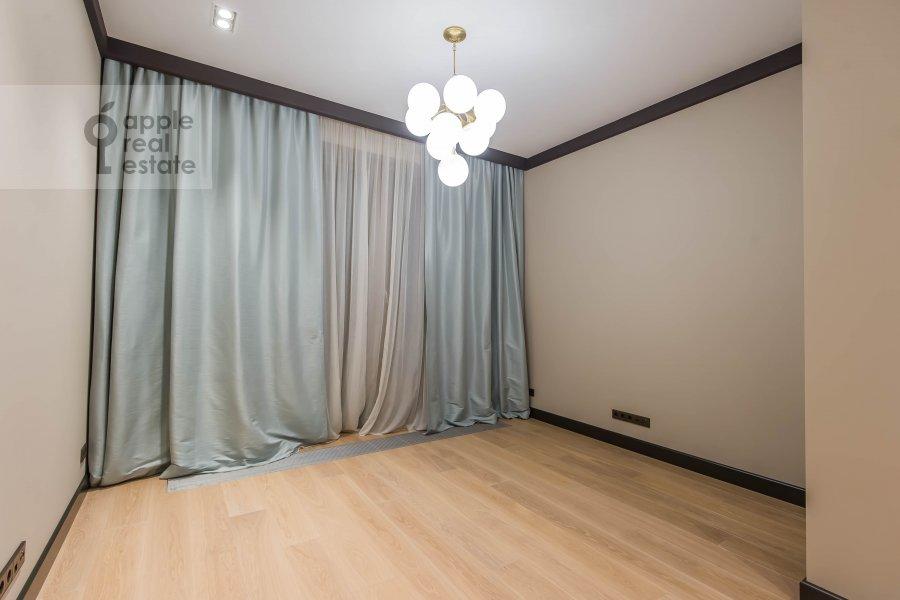 Детская комната / Кабинет в 6-комнатной квартире по адресу Коробейников переулок 1