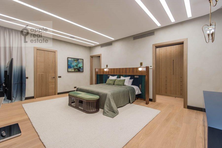 Спальня в 6-комнатной квартире по адресу Коробейников переулок 1