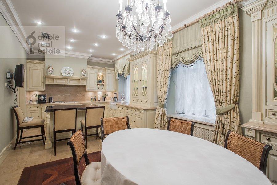 Kitchen of the 3-room apartment at Pozharskiy pereulok 9