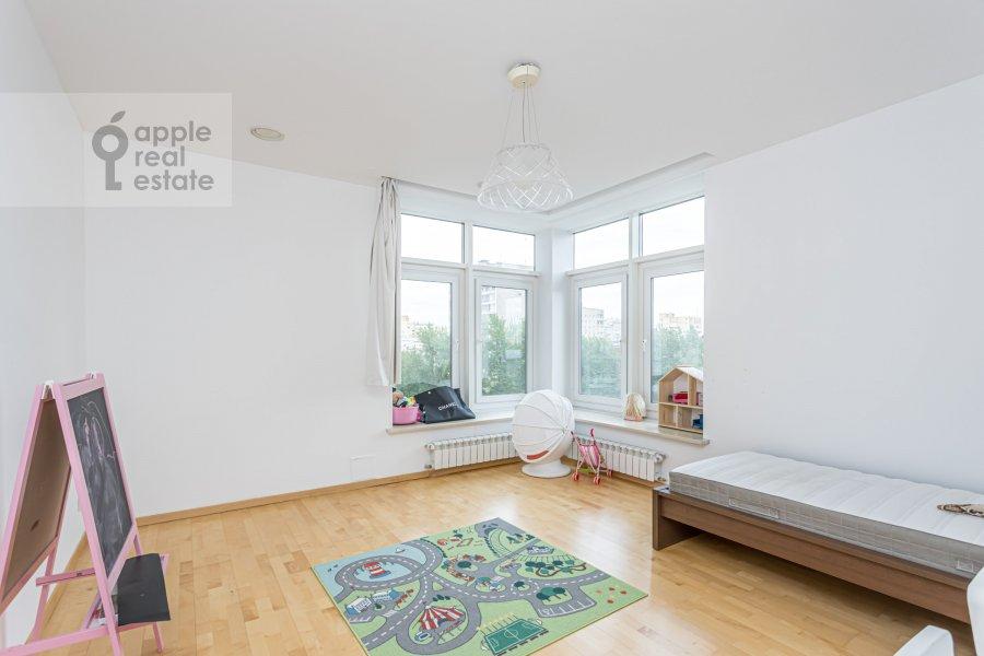 Спальня в 5-комнатной квартире по адресу Чапаевский пер. 3