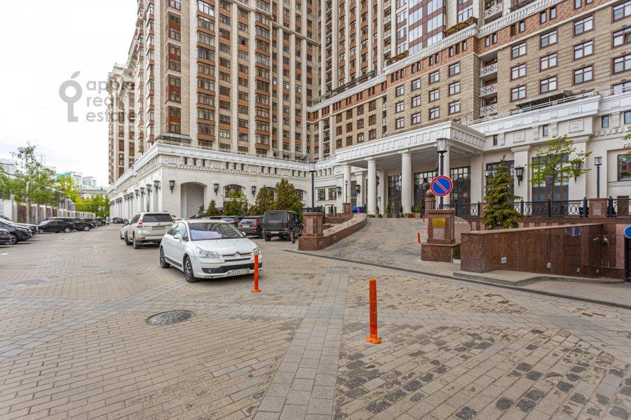 Вид из окна в 5-комнатной квартире по адресу Чапаевский пер. 3