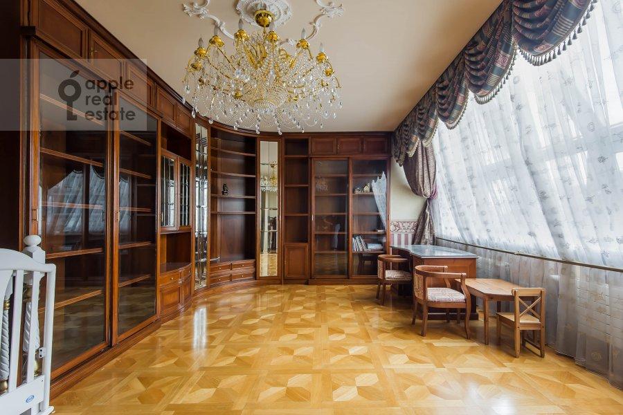 Коридор в 4-комнатной квартире по адресу Малый Николопесковский переулок 4