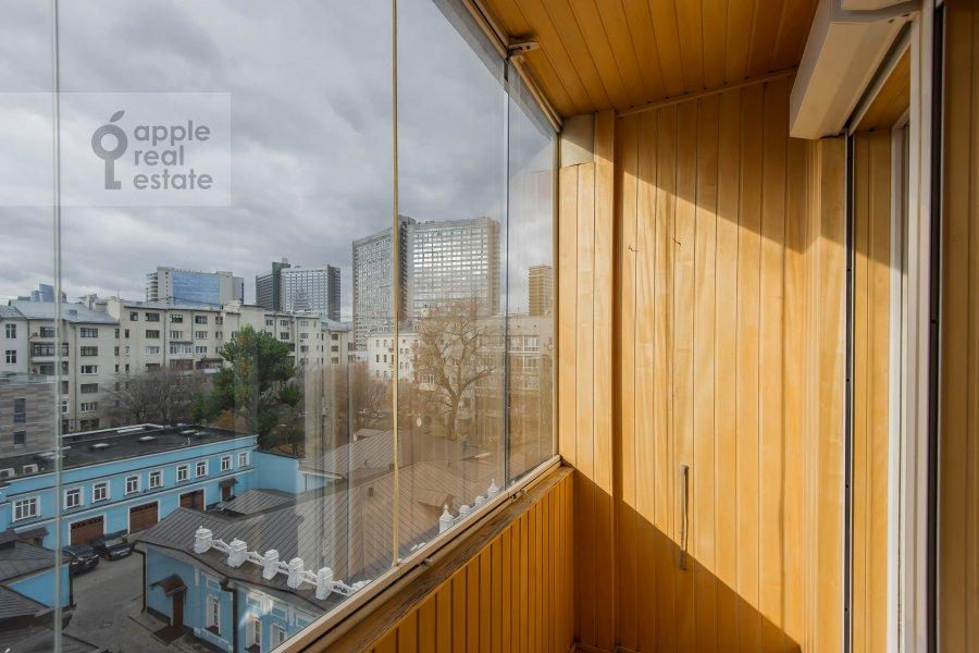 Балкон / Терраса / Лоджия в 4-комнатной квартире по адресу Малый Николопесковский переулок 4