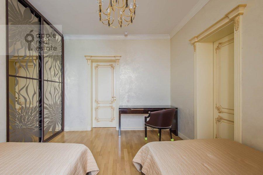 Children's room / Cabinet of the 5-room apartment at Aviatsionnaya ul. 77Bk5
