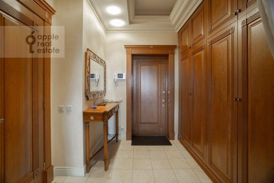 Коридор в 3-комнатной квартире по адресу Ленинградский проспект 76к1