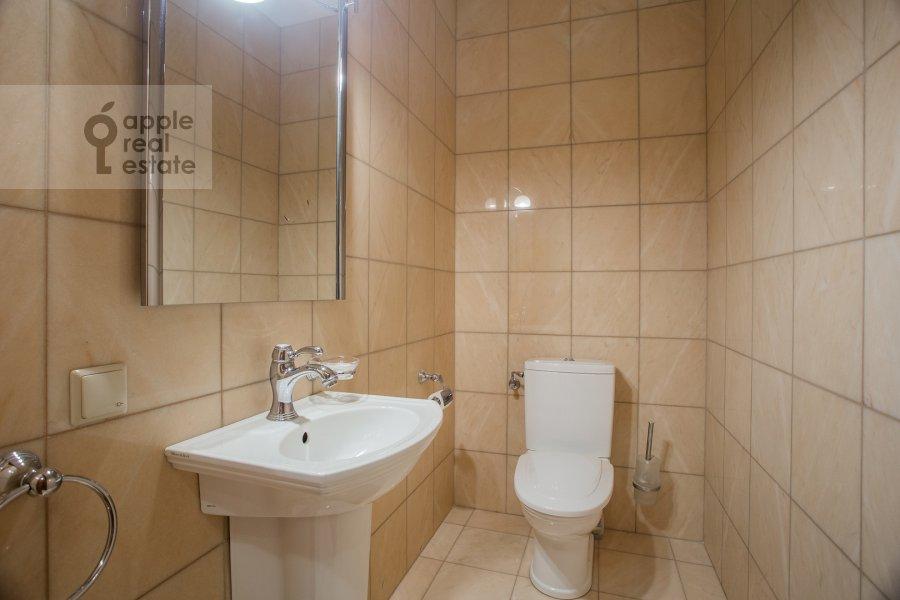 Санузел в 3-комнатной квартире по адресу Ленинградский проспект 76к1