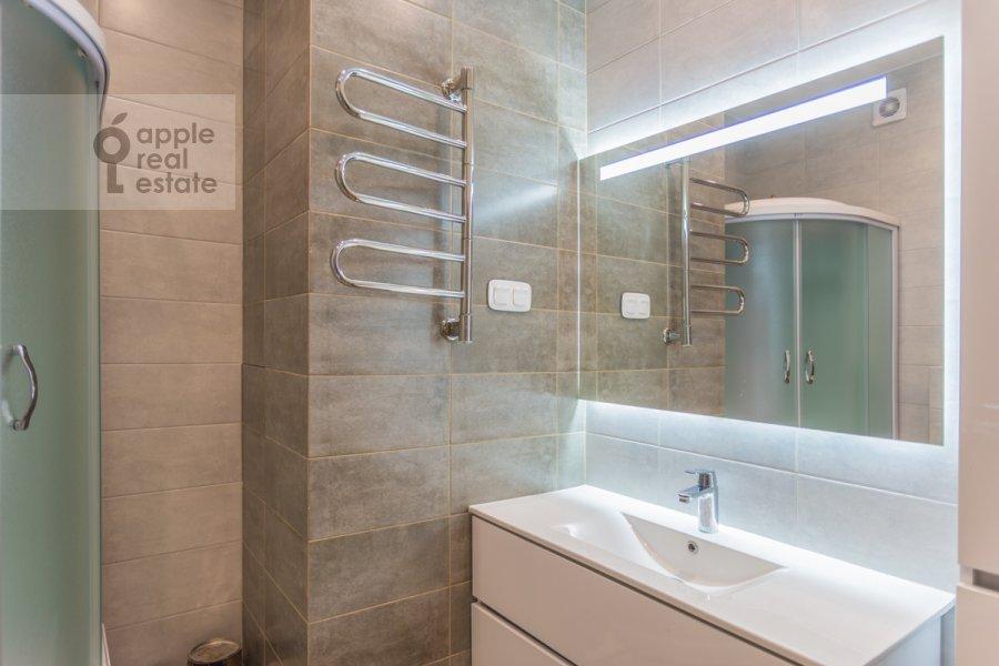 Bathroom of the 3-room apartment at Mira pr-t. 49
