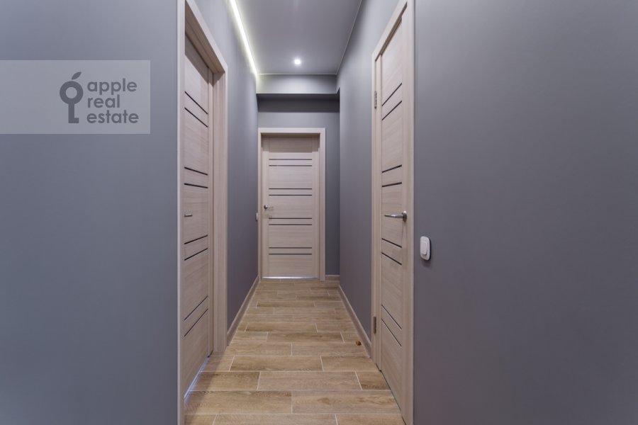 Corridor of the 3-room apartment at Mira pr-t. 49