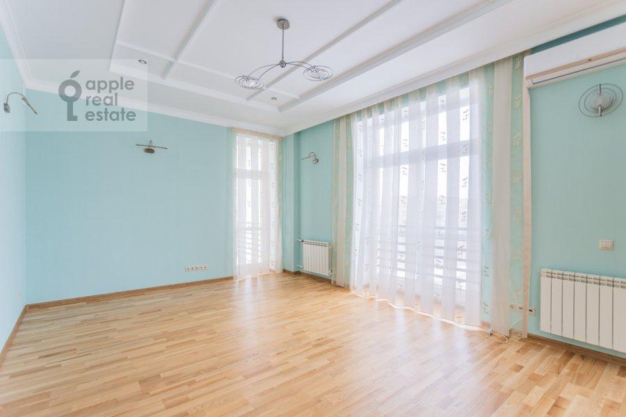 Children's room / Cabinet of the 5-room apartment at Taganskaya ulitsa 36k2