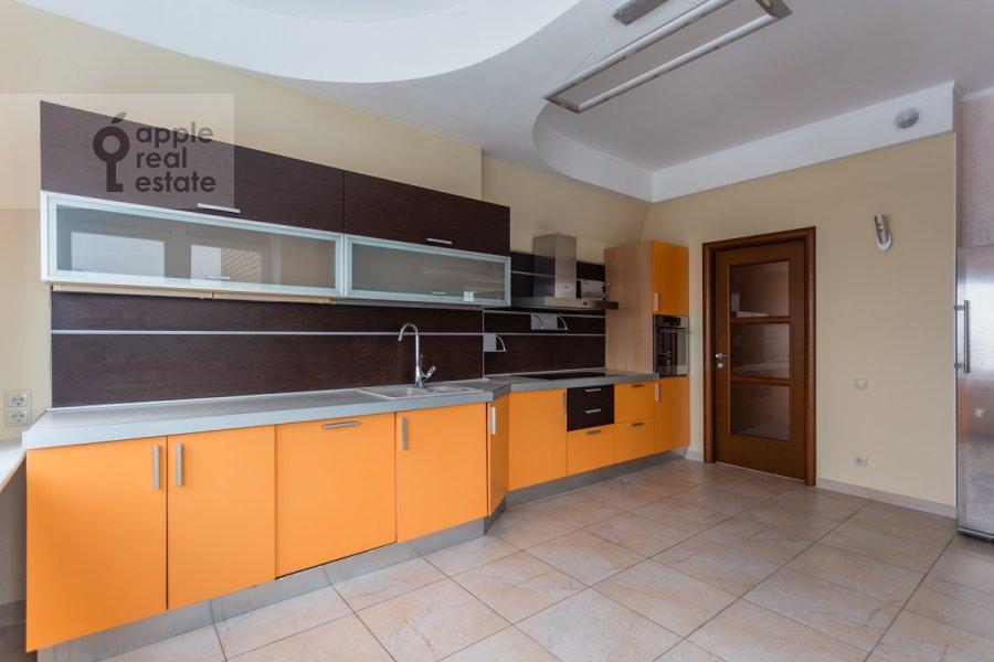 Kitchen of the 5-room apartment at Taganskaya ulitsa 36k2