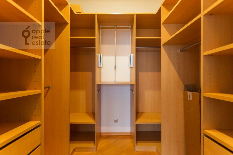 Walk-in closet / Laundry room / Storage room of the 5-room apartment at Taganskaya ulitsa 36k2