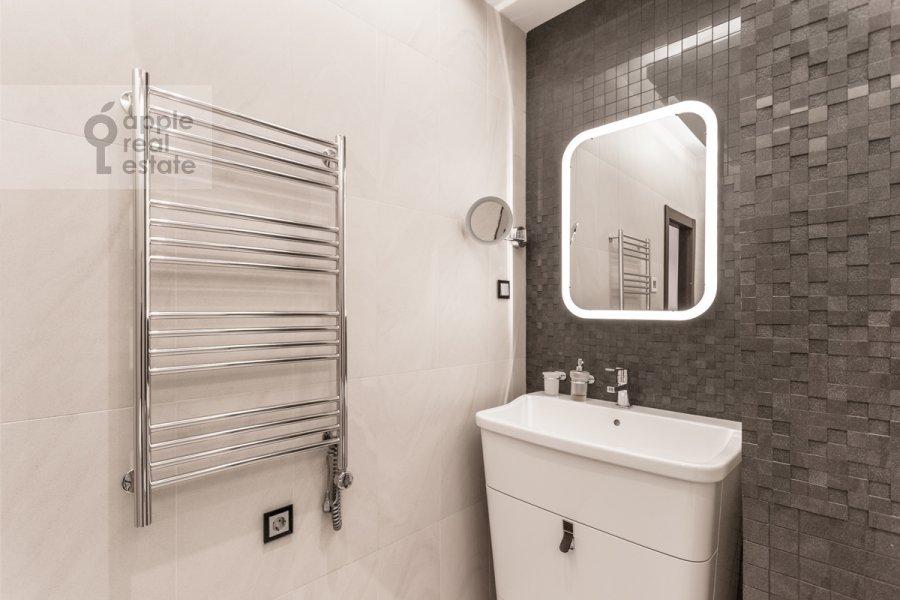 Санузел в 2-комнатной квартире по адресу Нежинская 1к3