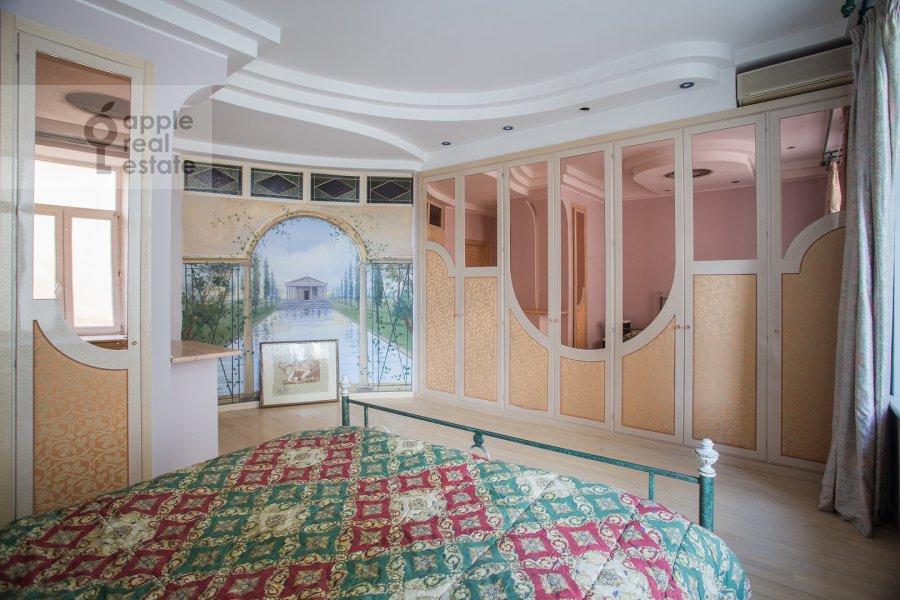 Bedroom of the 4-room apartment at Myasnitskaya ulitsa 24/7s1