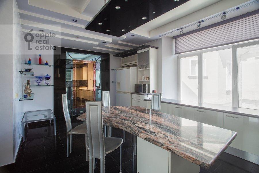 Kitchen of the 4-room apartment at Myasnitskaya ulitsa 24/7s1
