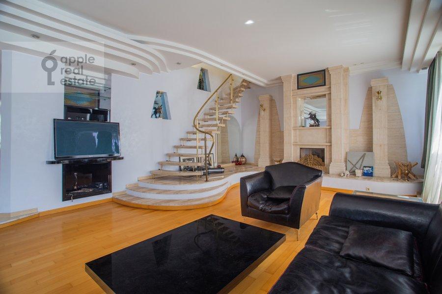 Living room of the 4-room apartment at Myasnitskaya ulitsa 24/7s1