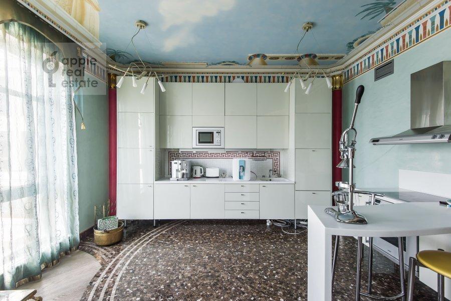 Кухня в 4-комнатной квартире по адресу 1-й Смоленский переулок 17