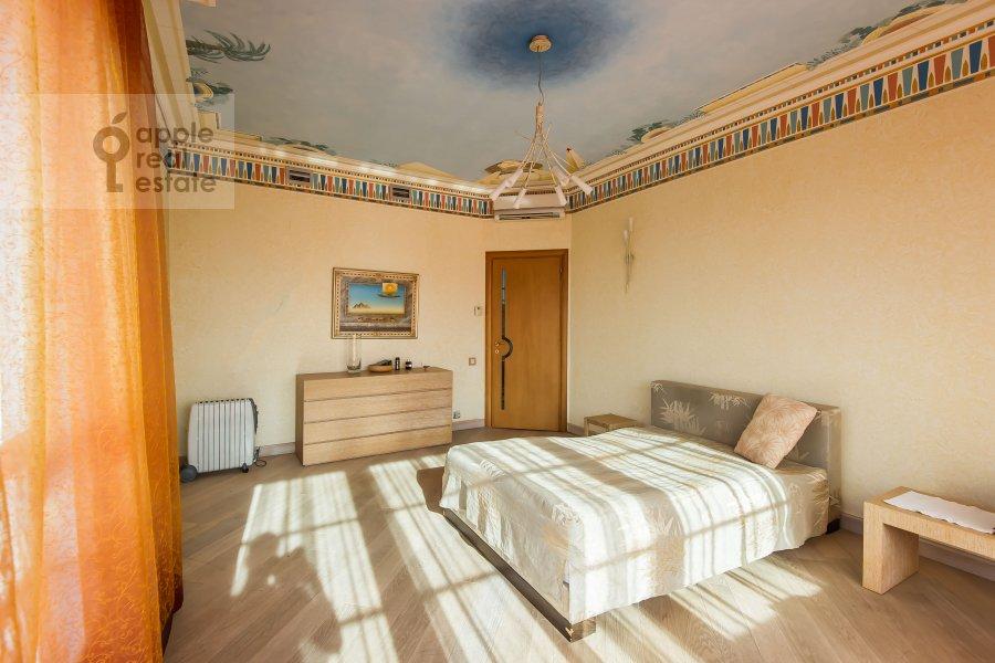 Спальня в 4-комнатной квартире по адресу 1-й Смоленский переулок 17