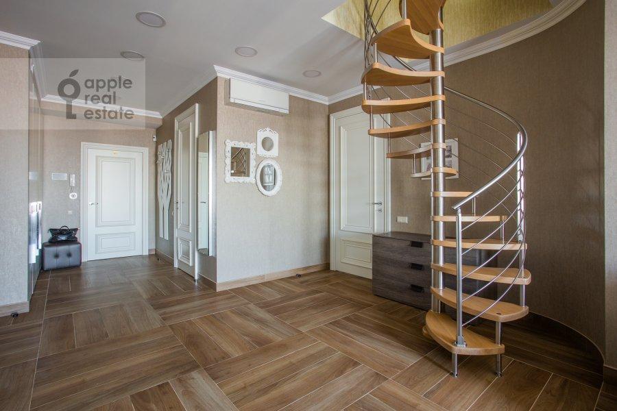 Гостиная в 3-комнатной квартире по адресу Большой Тишинский переулок 10с1