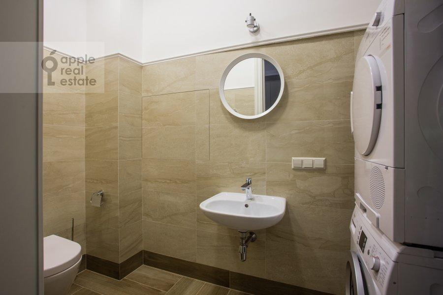 Санузел в 3-комнатной квартире по адресу Большой Тишинский переулок 10с1