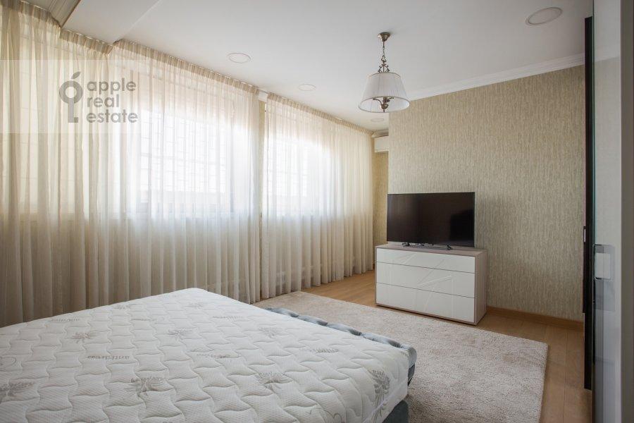 Спальня в 3-комнатной квартире по адресу Большой Тишинский переулок 10с1
