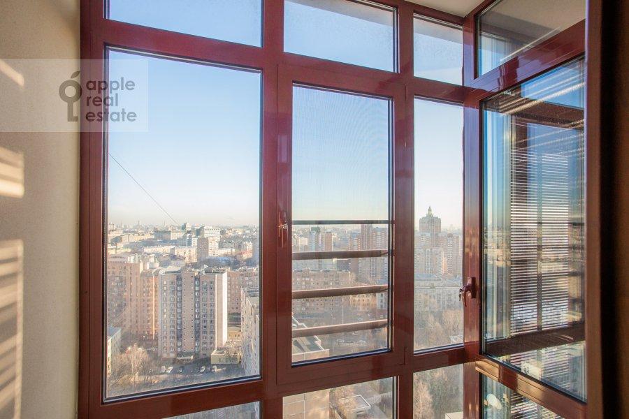 Балкон / Терраса / Лоджия в 3-комнатной квартире по адресу Большой Тишинский переулок 10с1