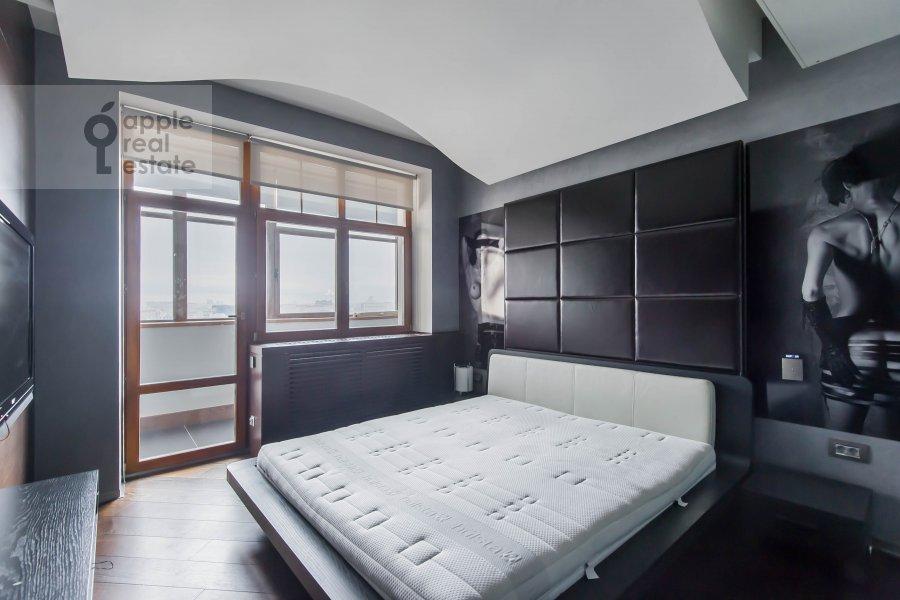 Bedroom of the 2-room apartment at Bol'shie Kamenshiiki ul. 2