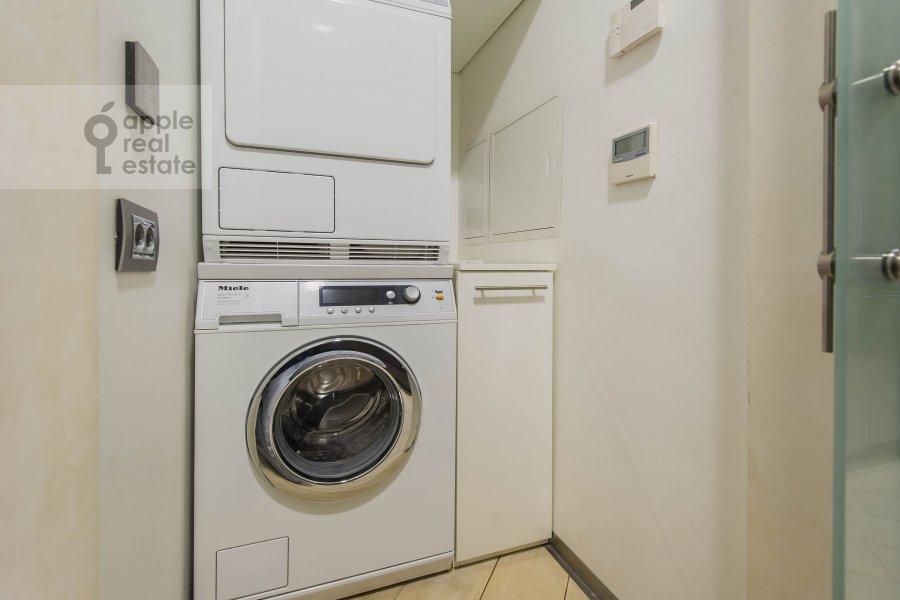 Walk-in closet / Laundry room / Storage room of the 2-room apartment at Bol'shie Kamenshiiki ul. 2