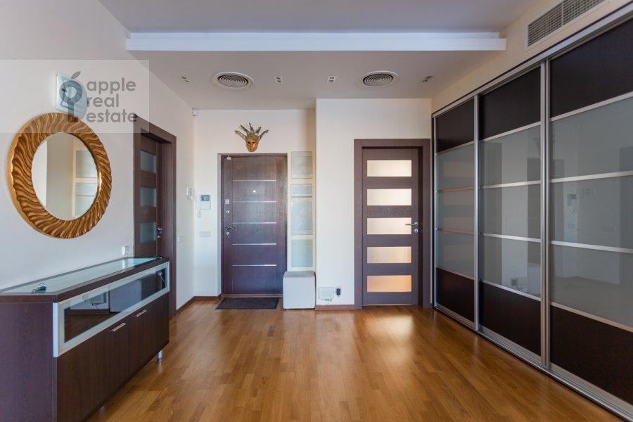 Corridor of the 2-room apartment at Berezovoy Roshii pr. 12