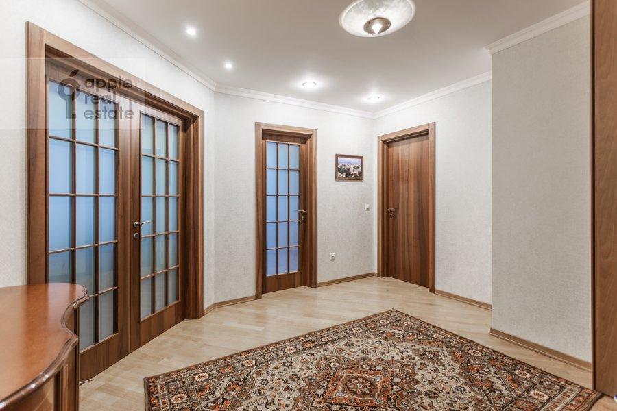Corridor of the 4-room apartment at Pogorel'skiy pereulok 6